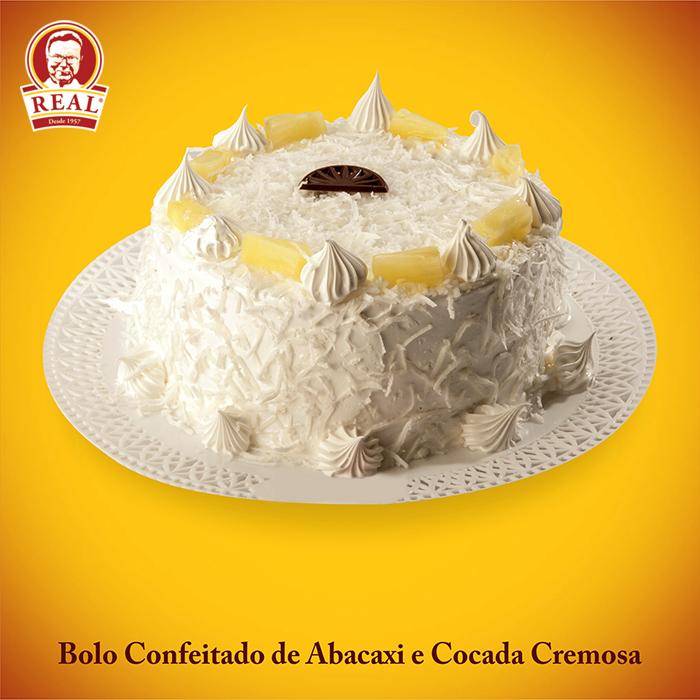 Bolo Confeitado Real de Abacaxi e Cocada Cremosa